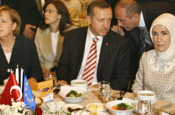 German opposition politicians not at state banquet for Erdogan