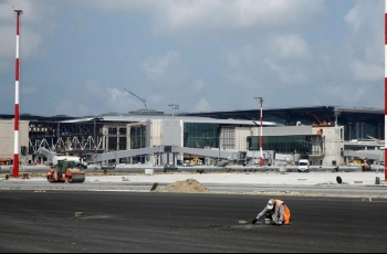 Construction workers at Istanbul airport site go on strike, citing unsafe conditions